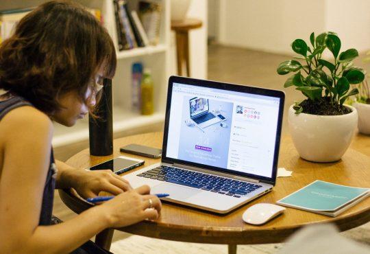 Woman undertaking her remote internships