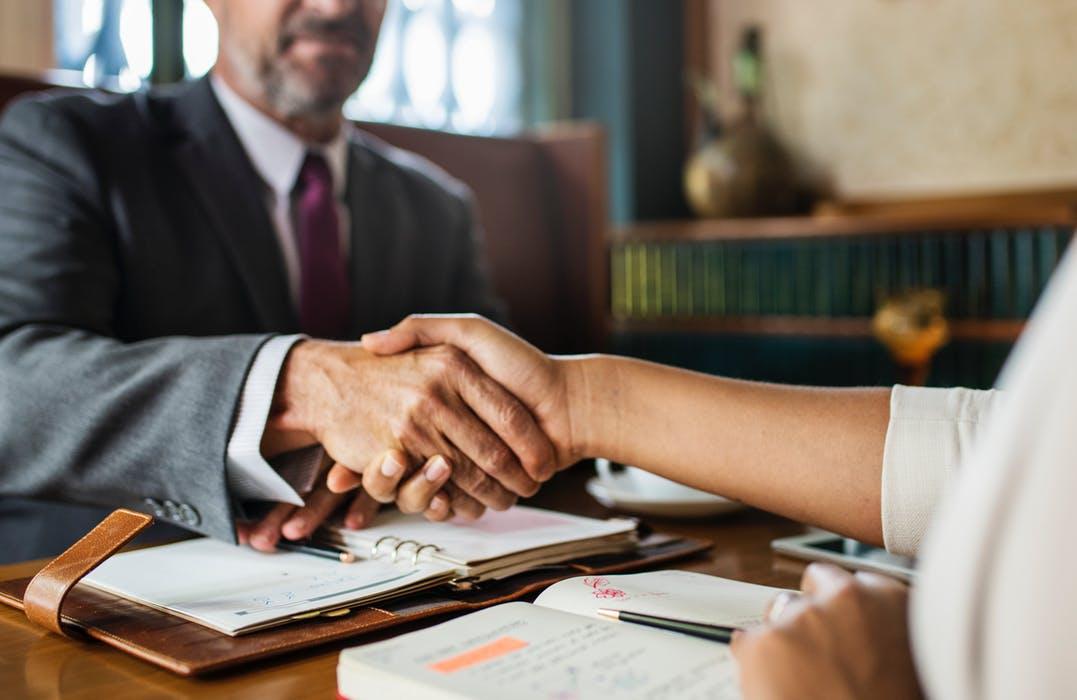 Melbourne criminal lawyer meeting a client